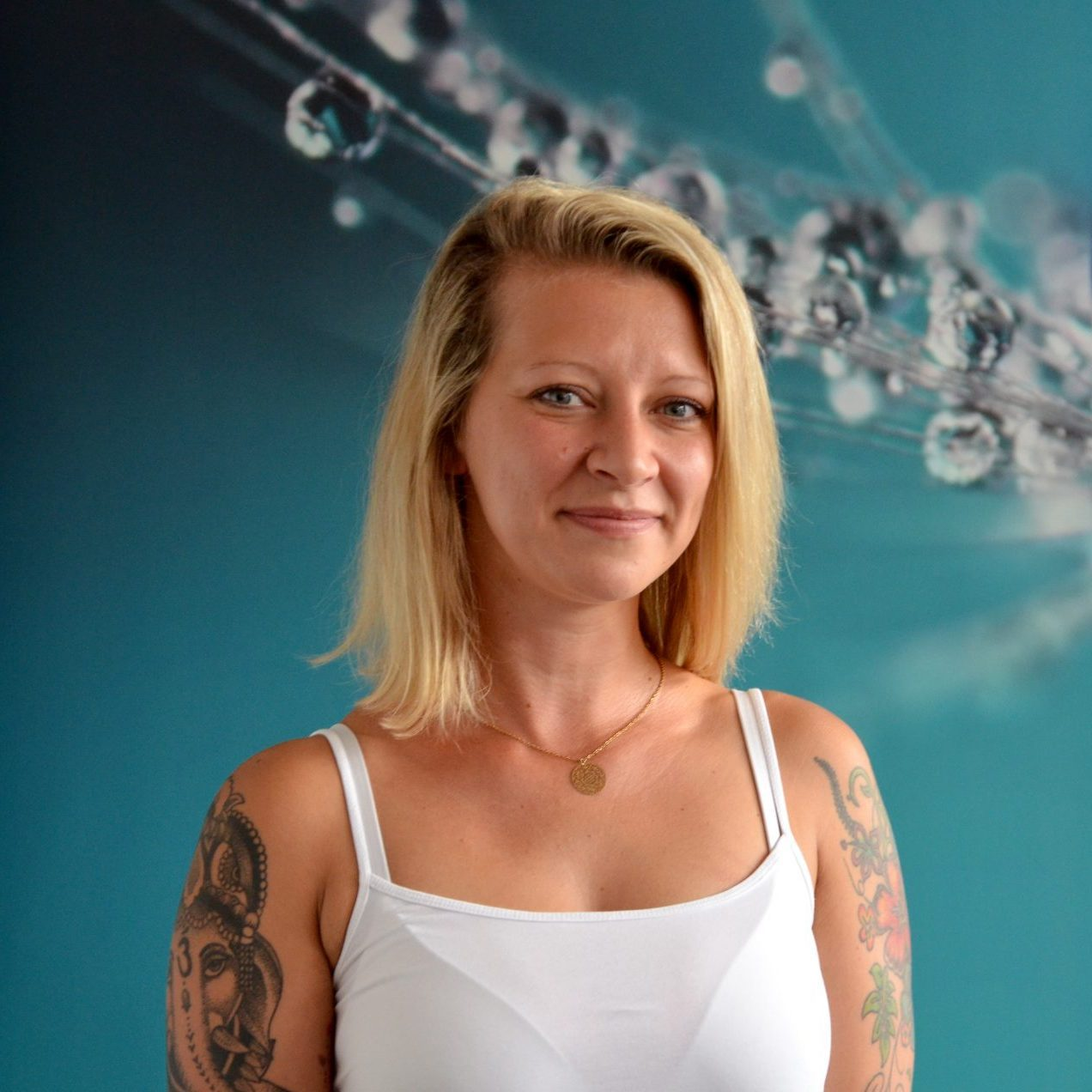 Yogalehrerin Lena Knutas von YOGA-MA – Deinem Yogastudio in Stuttgart und Umgebung