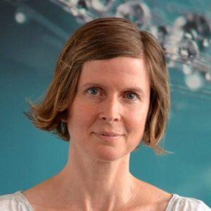 Yogalehrerin Nina Ottow von YOGA-MA – Deinem Yogastudio in Stuttgart und Umgebung