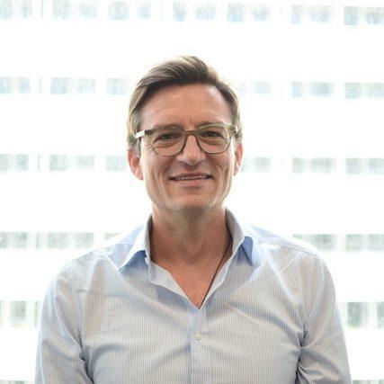 Yogalehrer Holger Eck von YOGA-MA – Deinem Yogastudio in Stuttgart und Umgebung