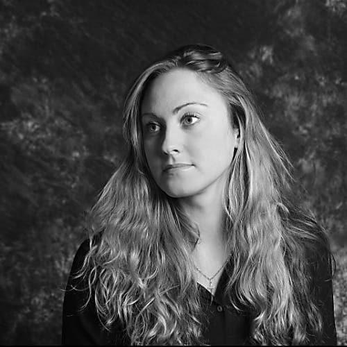 Katharina Schreiner ist Yogalehrerin bei YOGA-MA in Stuttgart