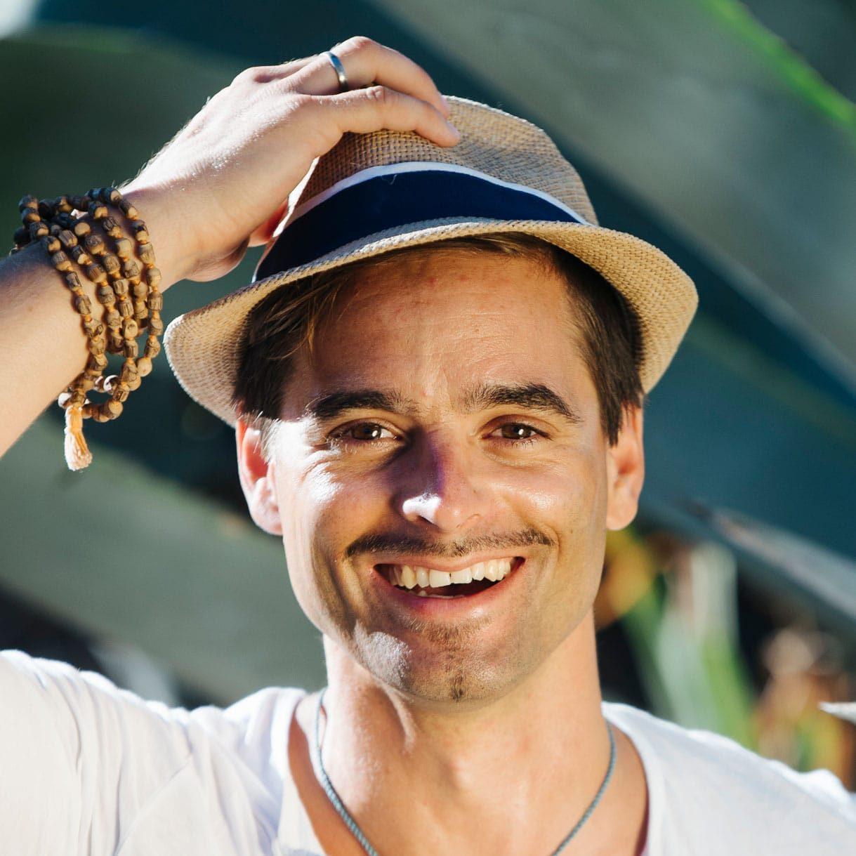 YOGA-MA-Team: Yogalehre Florian Doose